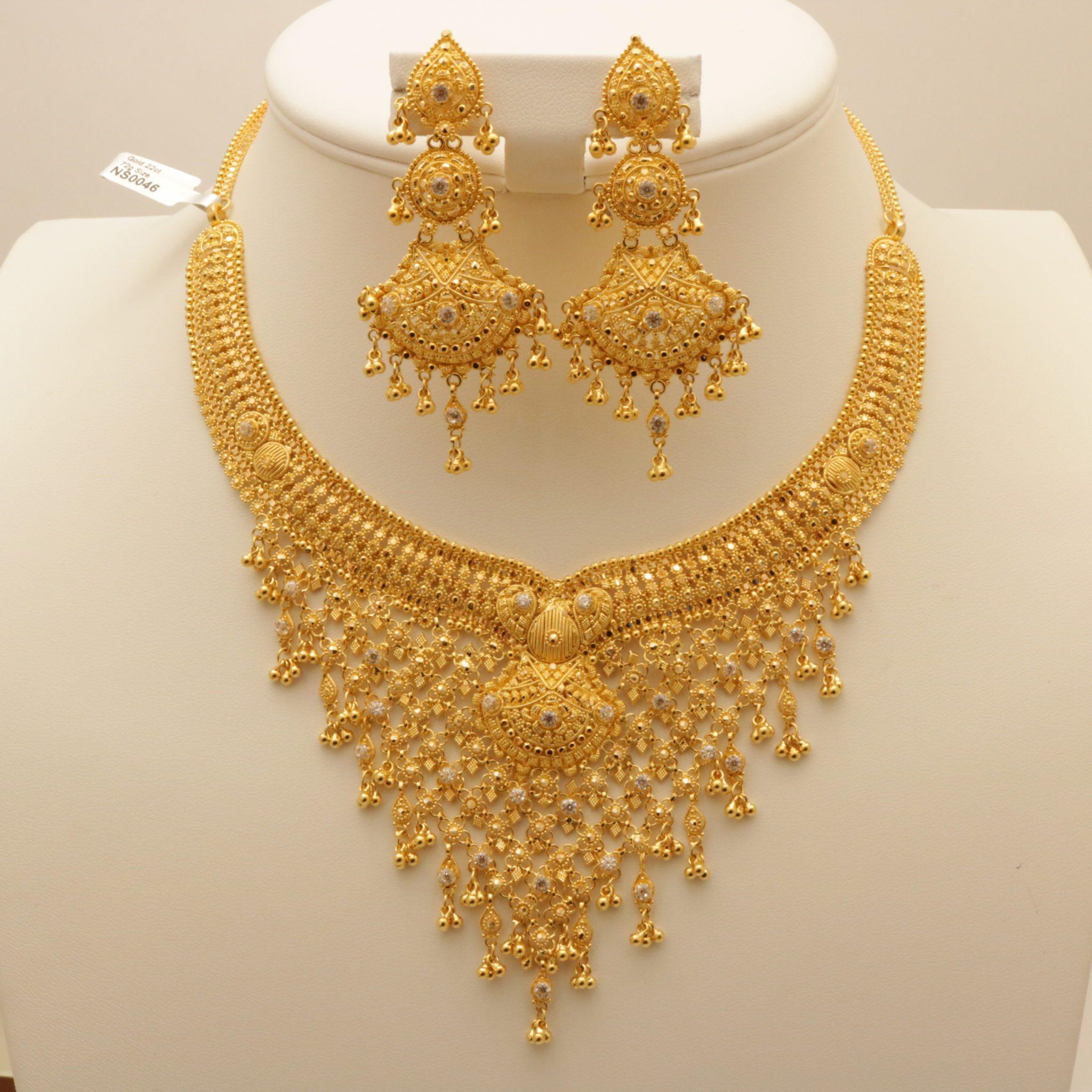 22 Carat Indian Gold Quot V Quot Shaped Necklace Set 72 Grams