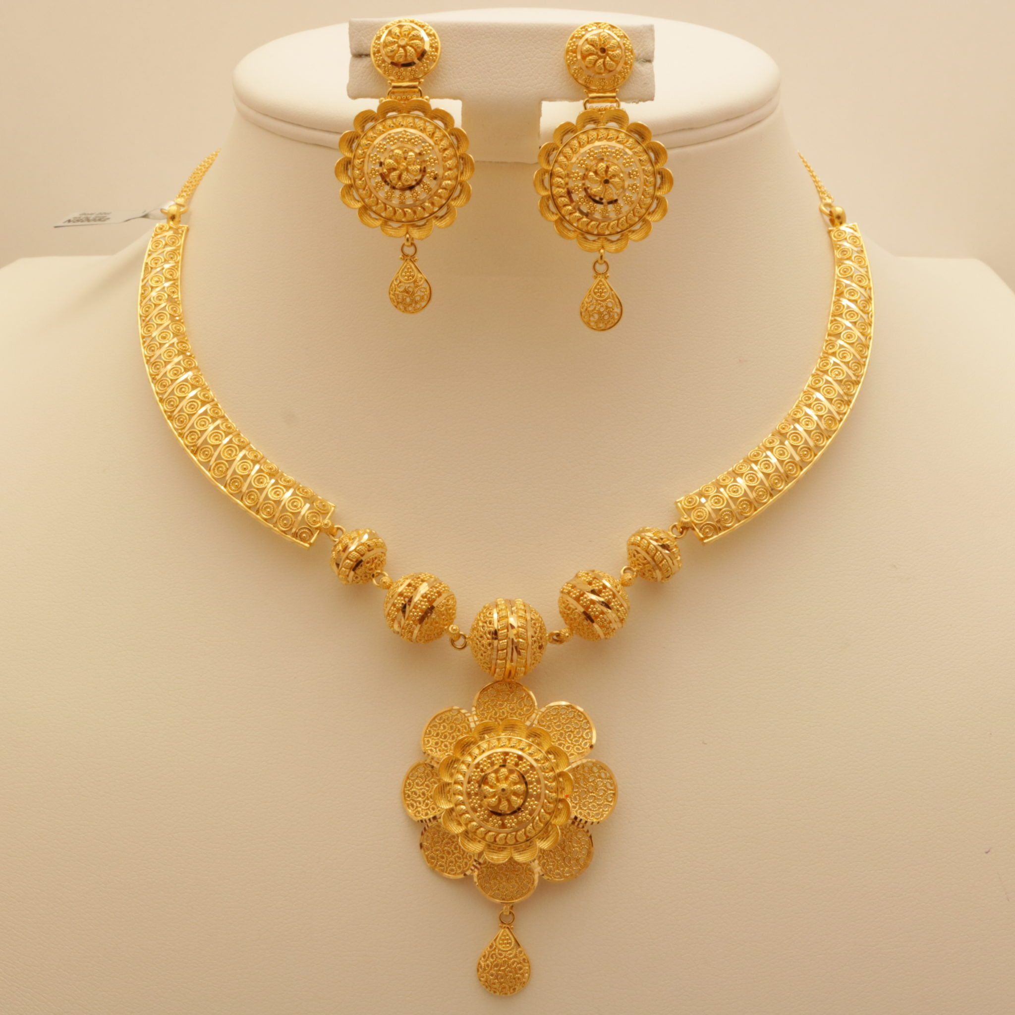 inspired product set gold pendant grams indian flower necklace carat